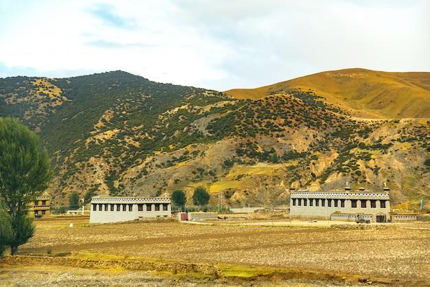 Case tibetane in campagna