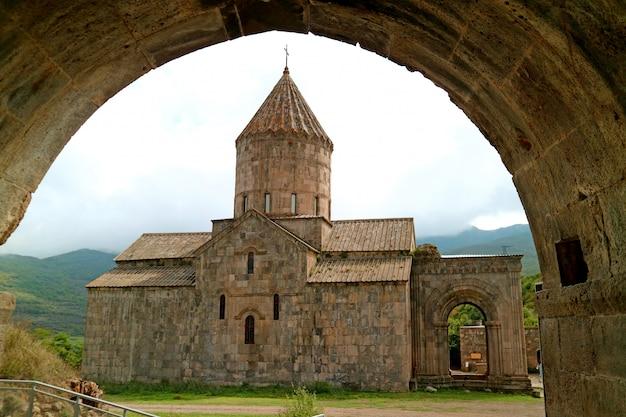 Cattedrale di st. paul e peter o surb pogos petros nel monastero di tatev, armenia