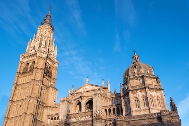 Cattedrale famosa di toledo del punto di riferimento, castiglia-la mancha, spagna.