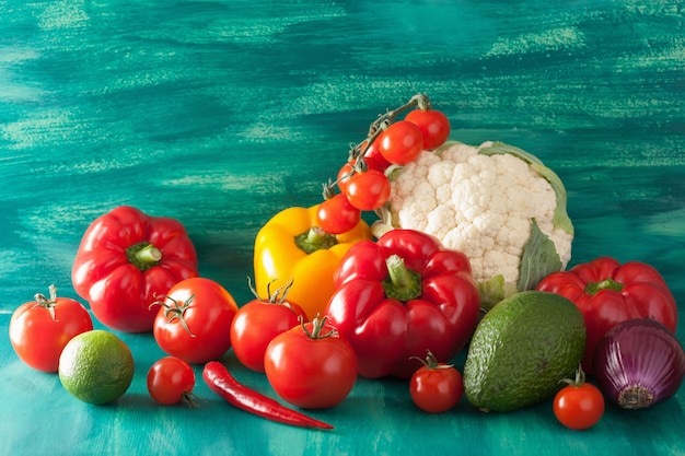 Cavolfiore della cipolla dell'avocado del pepe del pomodoro delle verdure