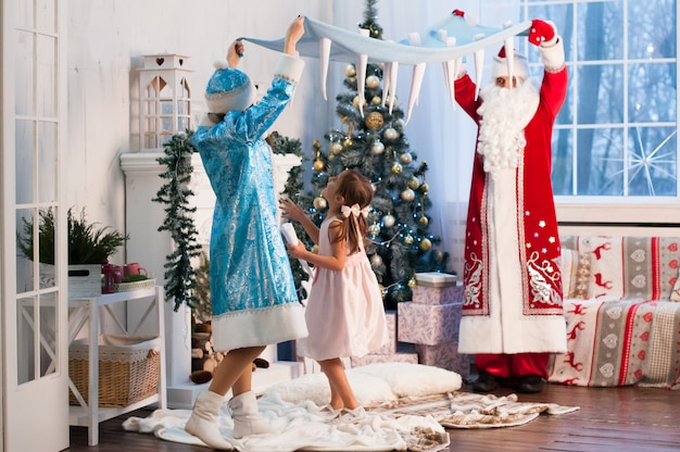 Celebrazione, natale, anno nuovo, orario invernale, vacanze, babbo natale, fanciulla di neve