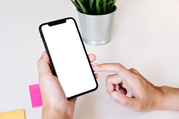 Cellulare dello schermo in bianco per il montaggio della visualizzazione grafica