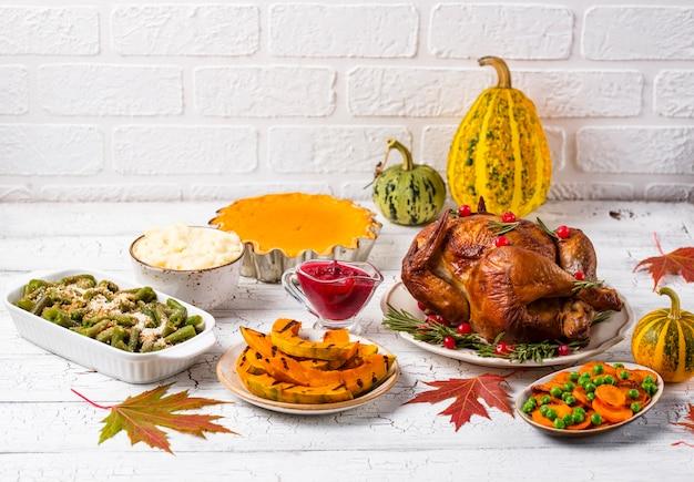 Cena del tradizionale giorno del ringraziamento