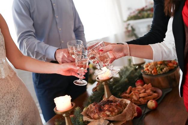 Cena di natale in famiglia