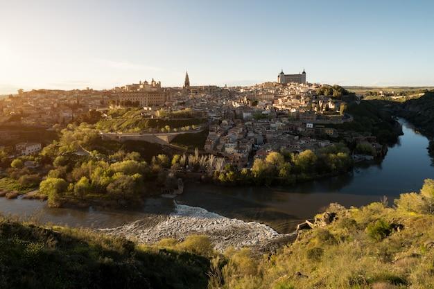 Centro medievale della città di toledo, in spagna.