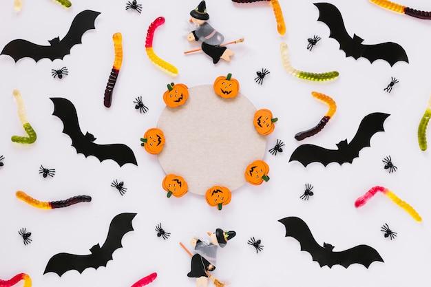 Cerchia e decorazioni di halloween