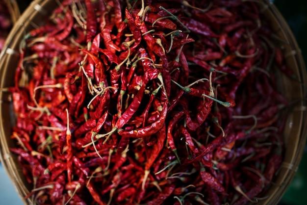 Cestini di peperoncini rossi