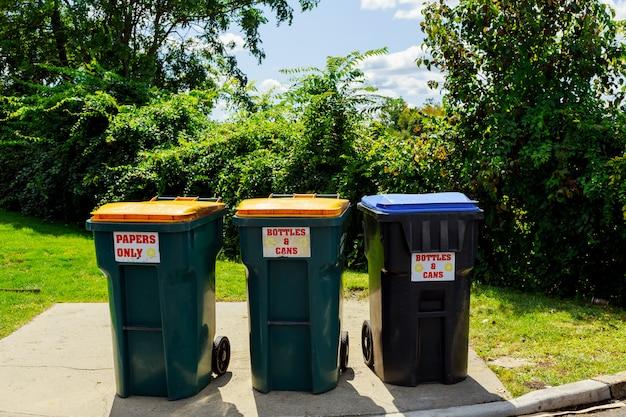 Cestino di plastica, discarica