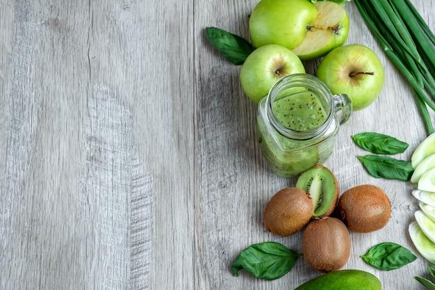 Cetrioli avocado cavolo mele fagioli kiwi cipolle broccoli