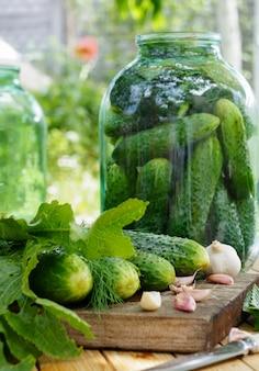 Cetrioli salati in salamoia