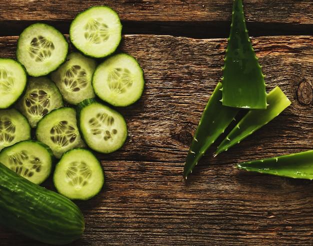 Cetriolo verde e fette