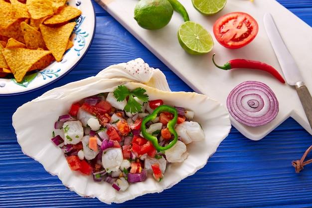 Ceviche ricetta in stile messicano con nachos