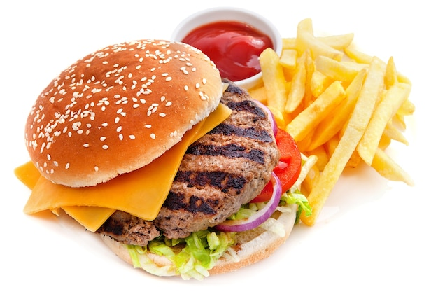 Cheeseburger con patatine fritte