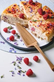 Cheesecake al forno con lamponi