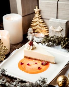 Cheesecake classica con lamponi