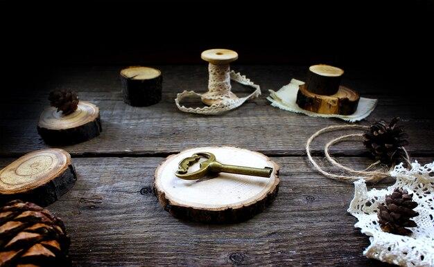 Chiave in legno rustico in legno