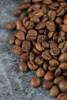 Chicchi di caffè freschi