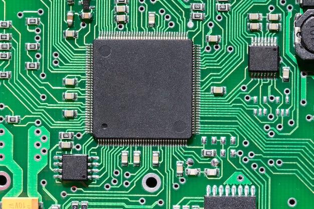 Chip su una scheda elettronica