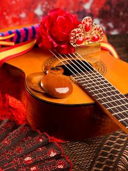 Chitarra spagnola di cassic con elementi di flamenco