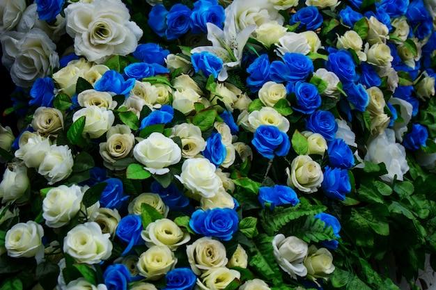 Chiuda in su del fiore artificiale