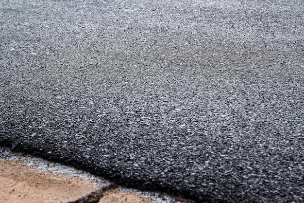 Chiuda in su di nuova struttura della strada asfaltata