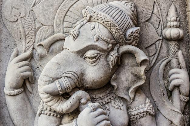 Chiuda sulla faccia di dio indù di ganesh.