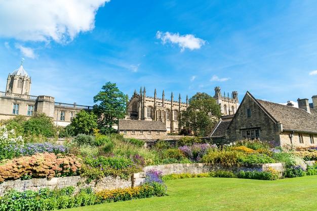 Christ church con war memorial garden a oxford, regno unito