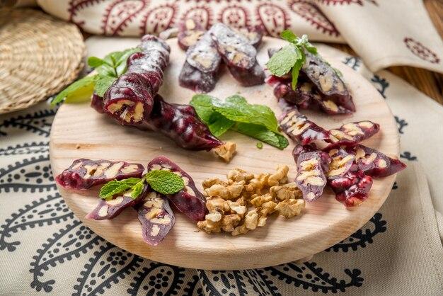 Churchkhela, dolcezza georgiana dalla linfa e dalle noci