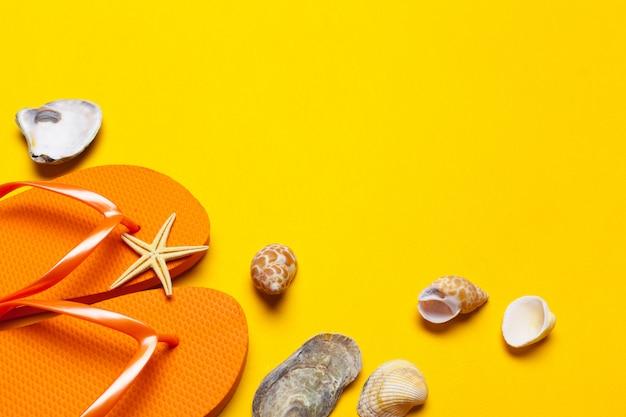 Ciabatte da spiaggia estiva colorate