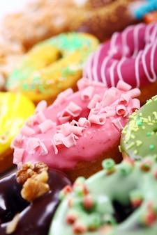 Ciambelle colorate e gustose
