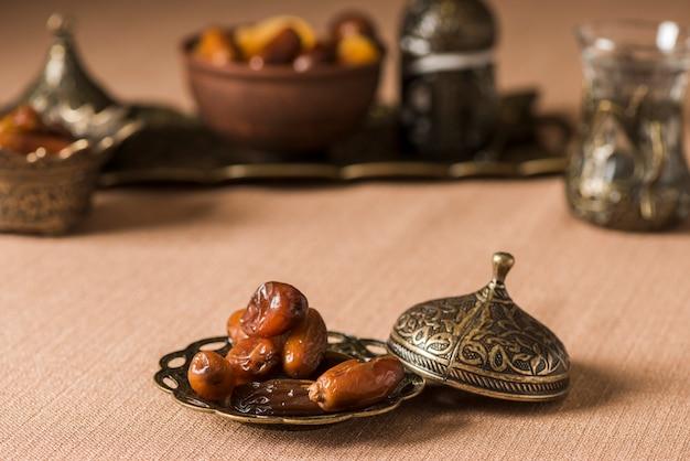 Cibo arabo per ramadan con date