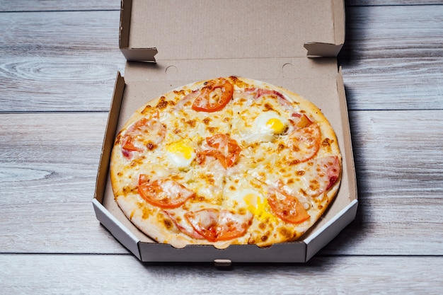 Cibo italiano tradizionale. poster promozionale per ristoranti o pizzerie