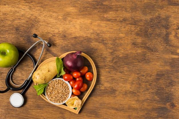 Cibo sano e attrezzature mediche