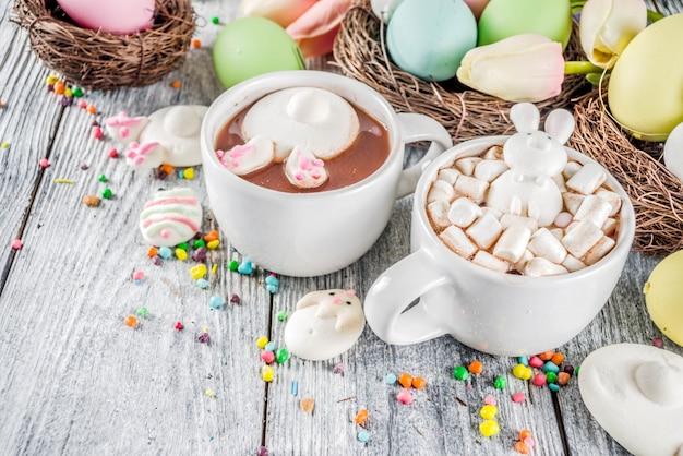 Cioccolata calda divertente di pasqua