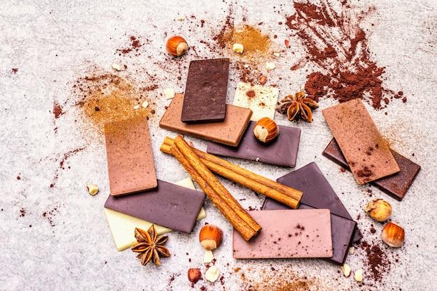 Cioccolato assortito con diverso contenuto di cacao