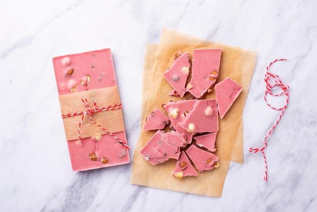 Cioccolato rosa o rubino, cibo alla moda