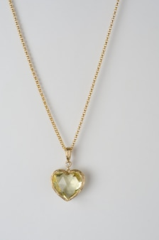 Ciondolo a cuore in oro, diamante e quarzo limone