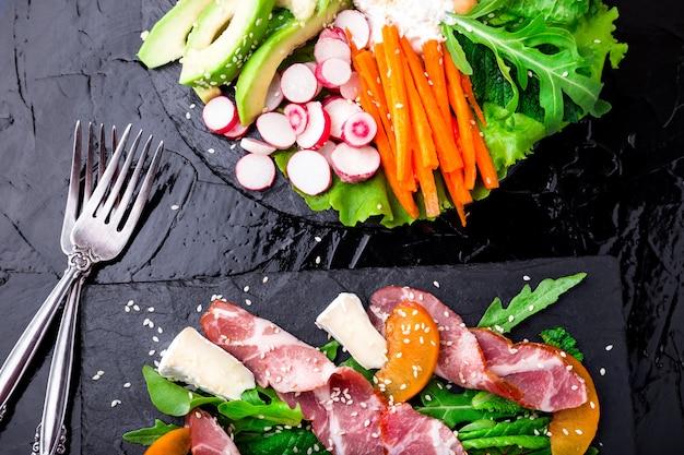 Ciotola di buddha vegana insalata di verdure. insalata di carne.