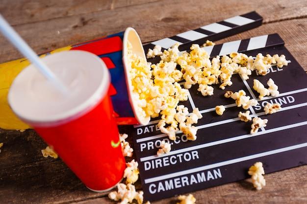 Ciotola e bevanda per popcorn