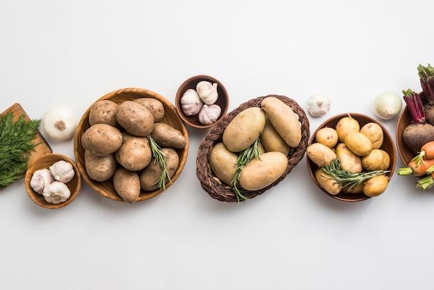 Ciotola e sacchetti con verdure