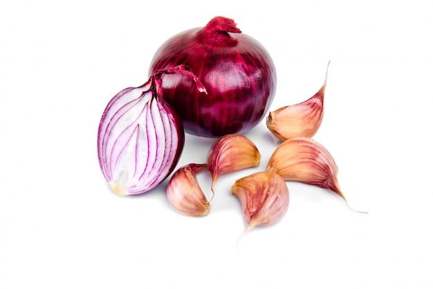 Cipolla rossa e mezza fetta su bianco