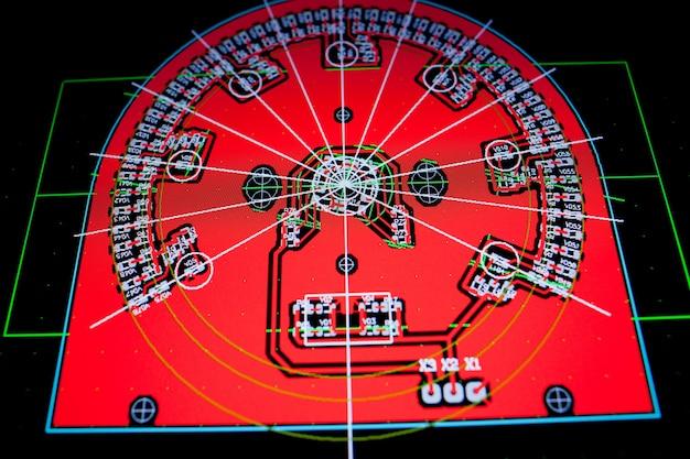 Circuito elettrico pcb sullo schermo del pc