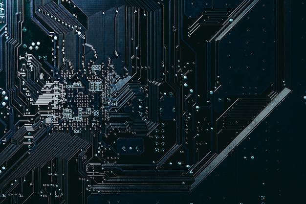 Circuito elettronico digitale del computer per sfondo scuro modello tecnologia