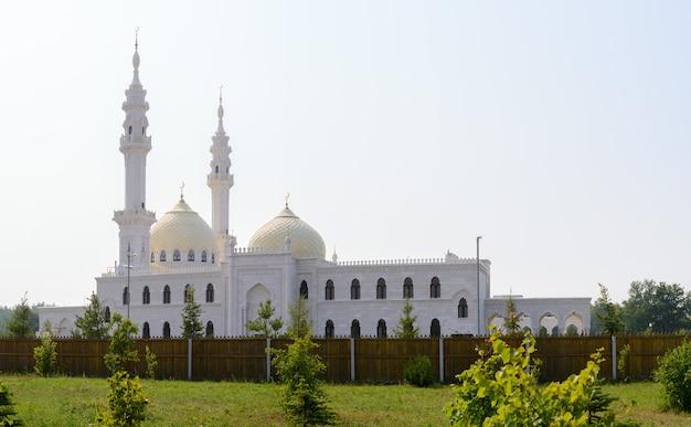 Città di bolgar, tatarstan, russia: moschea bianca