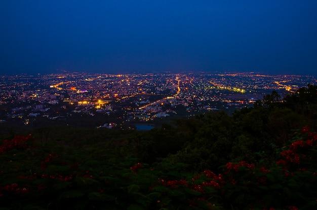 Città di notte a chiang mai