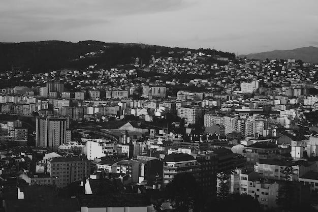 Città urbana in bianco e nero