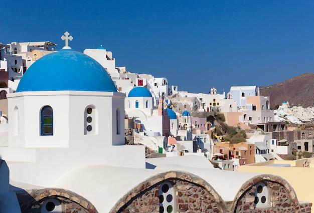 Città vecchia di oia o ia nell'isola di santorini.
