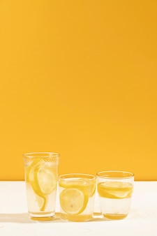 Close-up bicchieri di limonata fresca