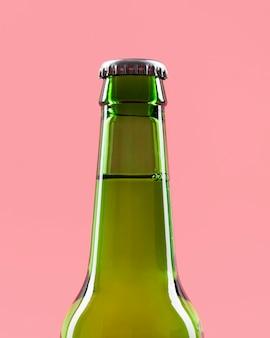 Close-up bottiglia di birra