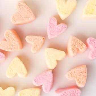 Close-up di caramelle a forma di cuore